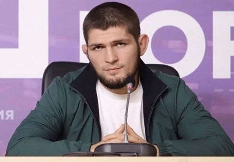 Отец Хабиба объяснил, почему его сын не выходит с флагом России