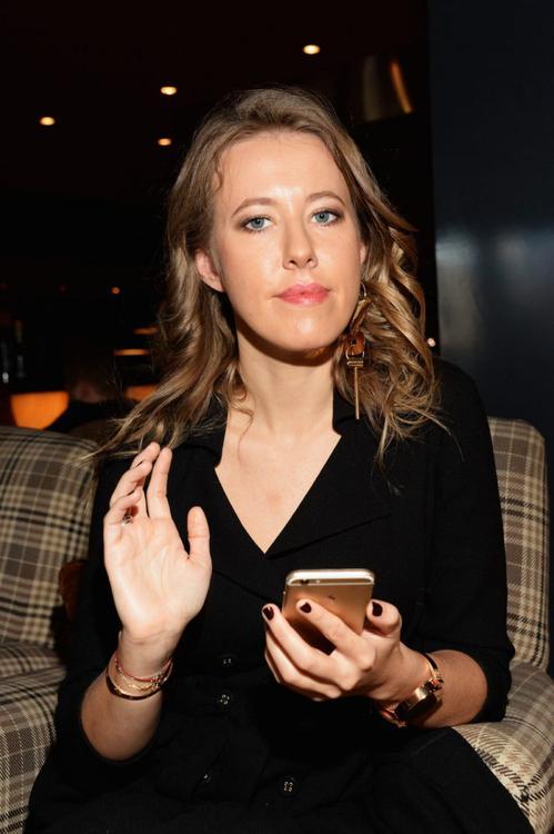 С отрывом побеждает Собчак. Forbes впервые составил рейтинг богатейших российских Instagram-блогеров