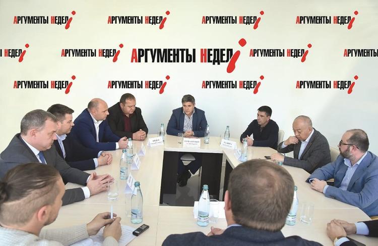 Круглый стол: Кто стоит за атакой силовиков на добросовестный бизнес сельхозпредприятий концерна «Покровский»