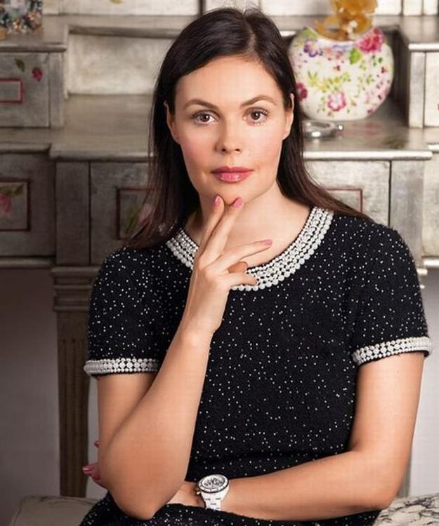 27 ноября телеведущей Екатерине Андреевой исполняется 58 лет. Или все-таки 54