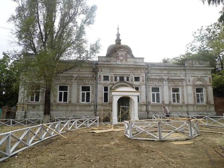 Единственная в городе Новочеркасске инфекционная больница перестала принимать пациентов - уволили всех докторов