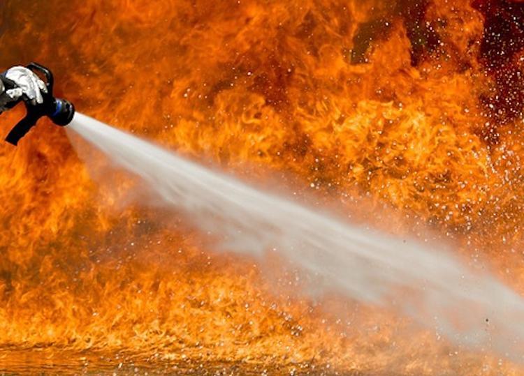 Девочка погибла при пожаре в частном доме в ЯНАО