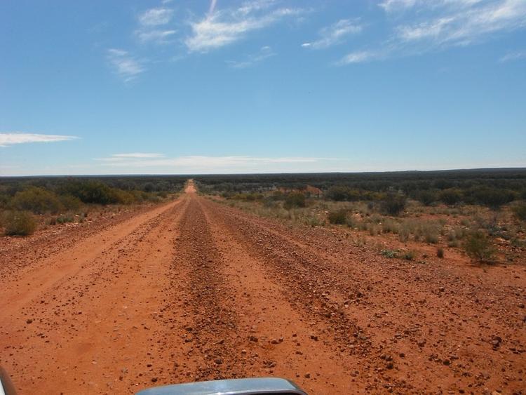 Жительница Австралии прожила две недели в пустыне без еды и воды