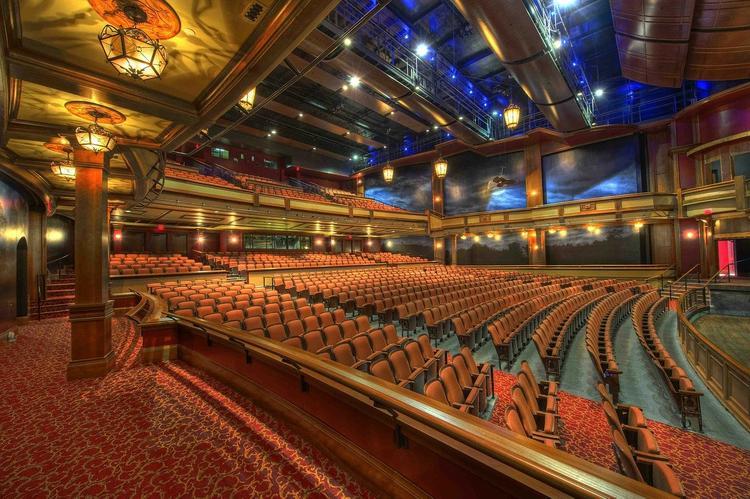Минкультуры: в каких регионах чаще всего ходят в театр
