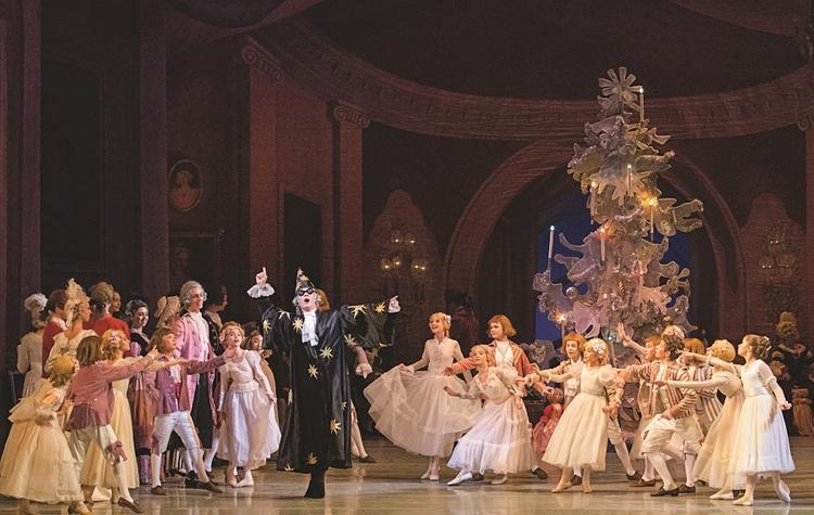Академия Русского балета им. А. Я. Вагановой  создала  уникальные анимированные 3-D декорации для
