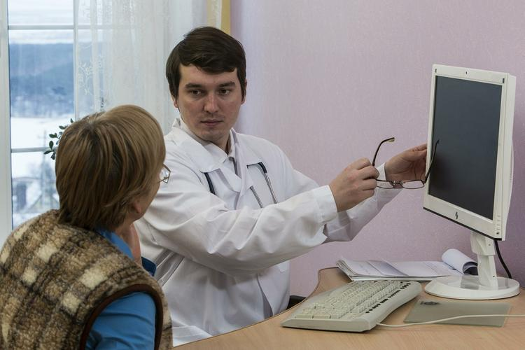 Первые симптомы появления раковой опухоли во рту раскрыл российский врач-онколог