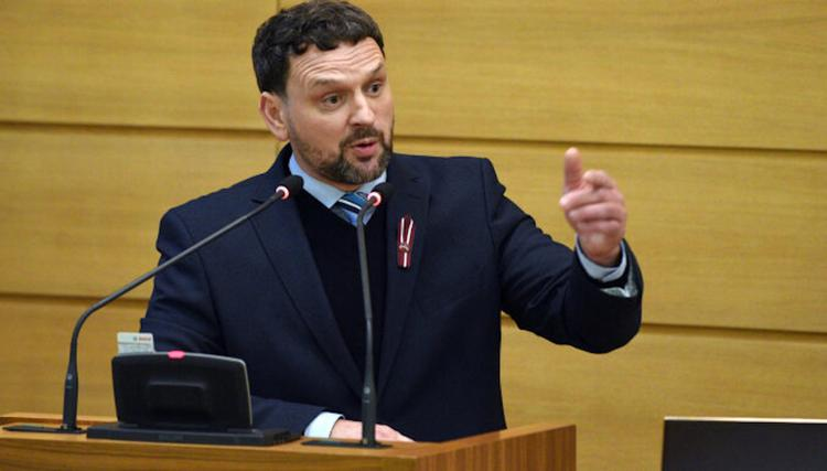 Новый вице-мэр Риги взял