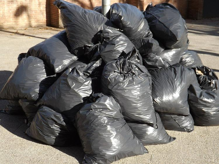 Одинцово: выброшенный из окна мусорный пакет обойдется жителю в 300 тысяч рублей