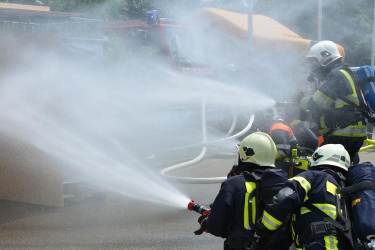 В горящем колледже в Одессе рухнула крыша