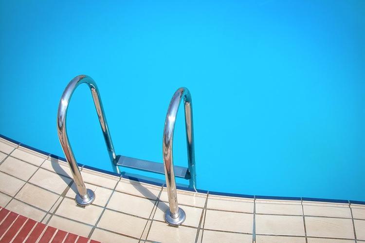 Россиянам позволят посещать бассейн без справок