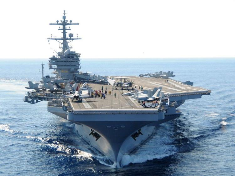 Американский эсминец берёт на борт больше вооружения, чем весь Черноморский флот