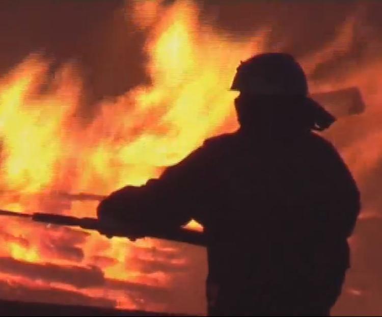 Пожар в Екатеринбурге: загорелось административное здание