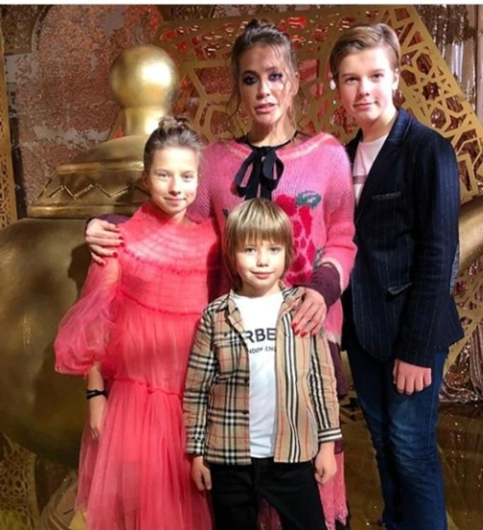 Юлия Барановская заявила, что не просила Аршавина платить алименты на детей