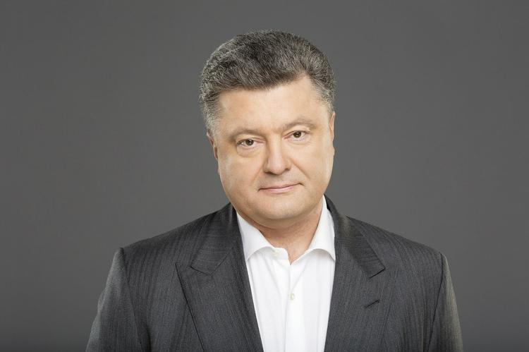 Порошенко посоветовал Зеленскому строить стену на границе с Россией, объяснив, что она понадобится