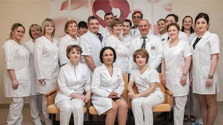 В Москве создана петиция в защиту заведующей роддомом Марины Сармосян