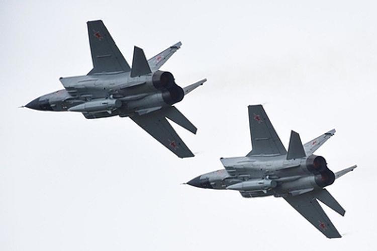 США вынуждены догонять Россию в разработке вооружений - считает эксперт