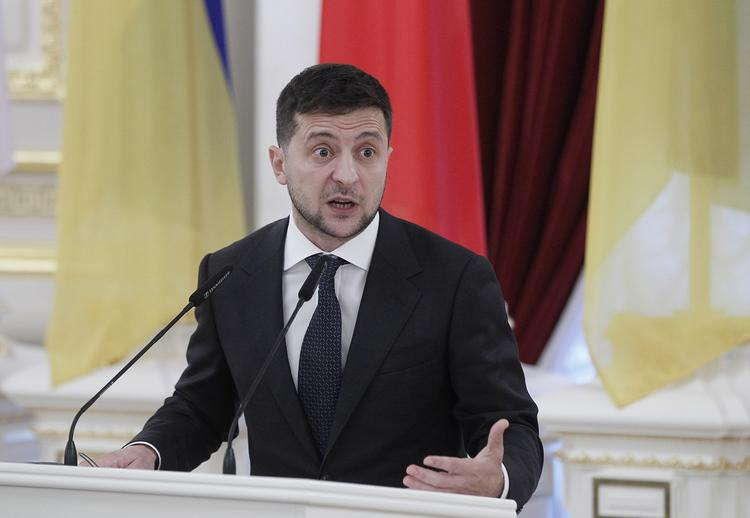 Вероятный срок отставки Зеленского с поста президента Украины определил аналитик