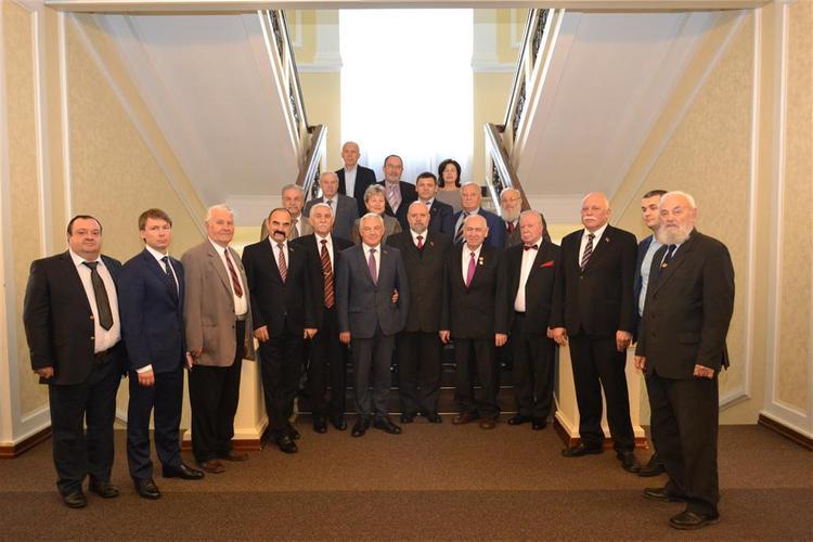 В стенах ЗСК состоялся разговор о преемственности в работе депутатов