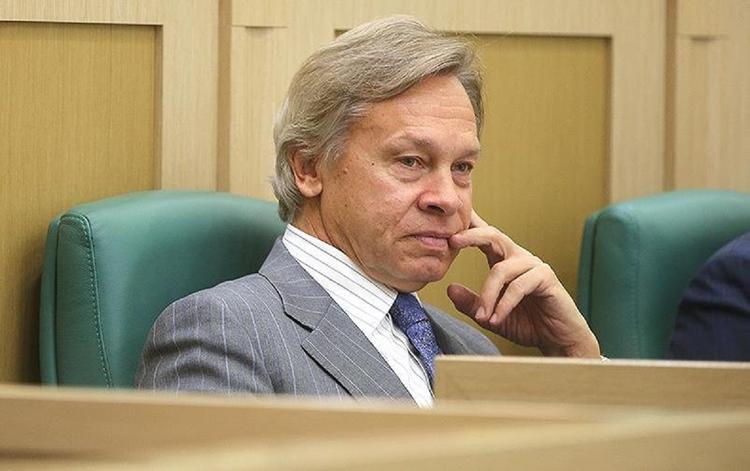 Пушков прокомментировал поведение Зеленского на пресс-конференции в Париже