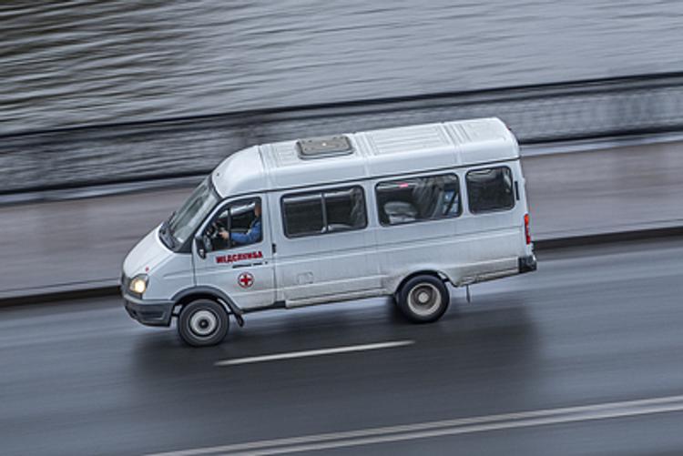 На дороге Адлер — Красная Поляна  под Сочи в ДТП при лобовом столкновении двух машин погибли 4 человека
