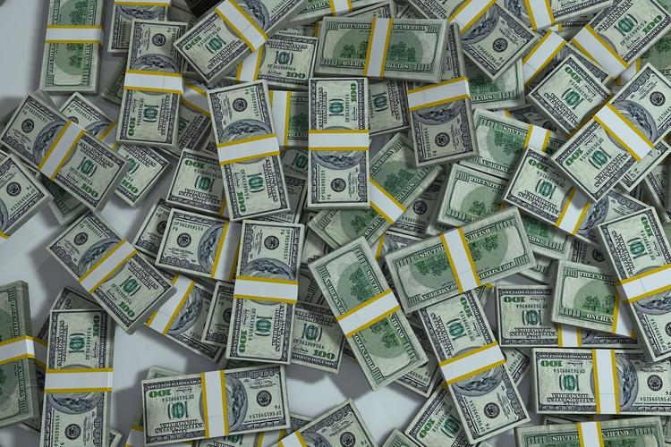 Женщина  стала богаче  почти на 40 млн дол. из-за ошибки банка, а потом потеряла всё за один день