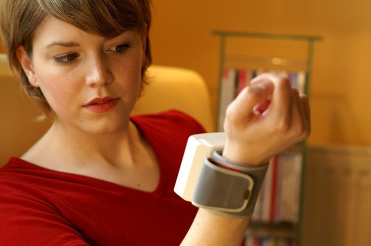 Девять способов снизить артериальное давление без таблеток посоветовали доктора