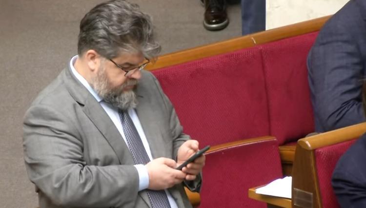 На Украине решили отменить спецстатус Севастополя