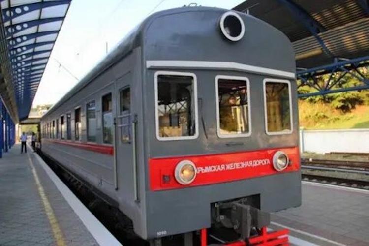 На жд вокзале Симферополя прибывающие поезда с материка  будет встречать гимн «Мой Симферополь - ворота Крыма»