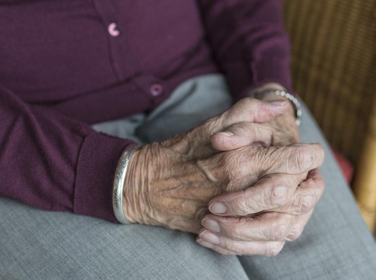 Российские пенсионерки будут жить за счет мужчин после их смерти