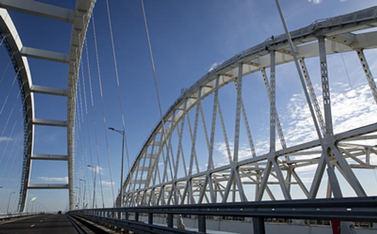 Фирменный пассажирский поезд «Таврия»  Санкт-Петербург – Севастополь первым проедет  по Крымскому мосту