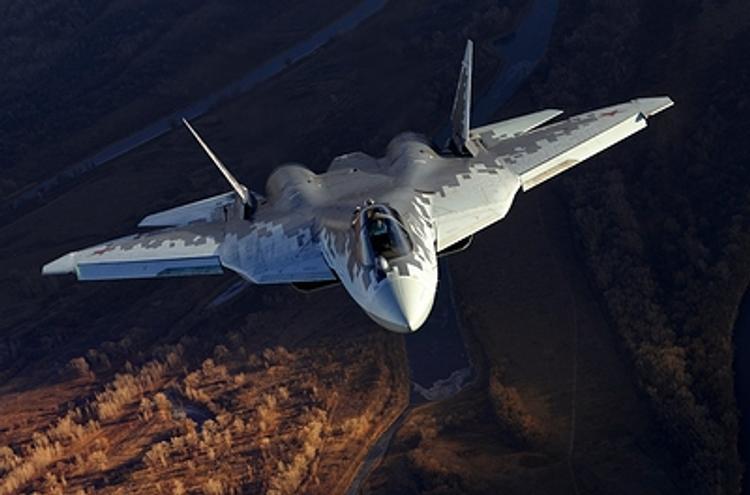 Названа предварительная причина падения истребителя  Су-57 во время испытательного полета