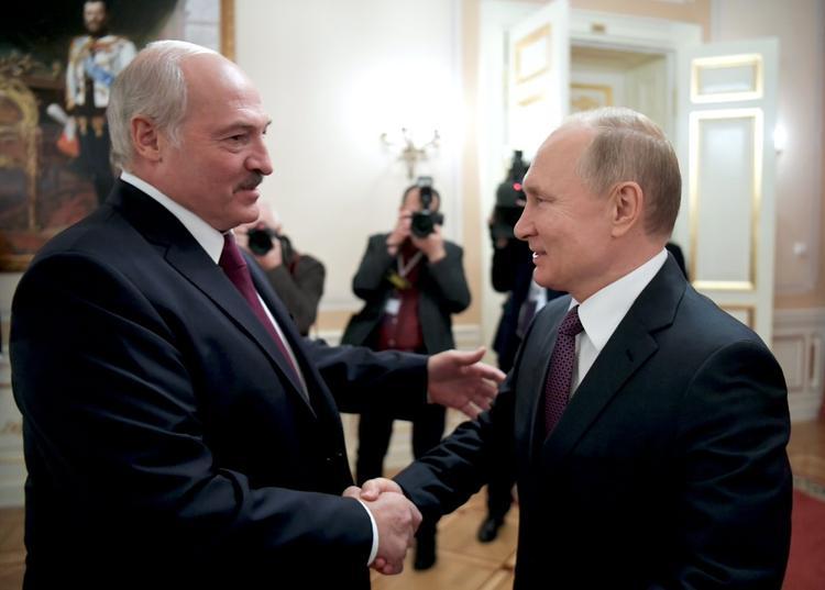 Прогноз о слиянии РФ и Белоруссии в одно государство в 2022-м озвучили на Украине