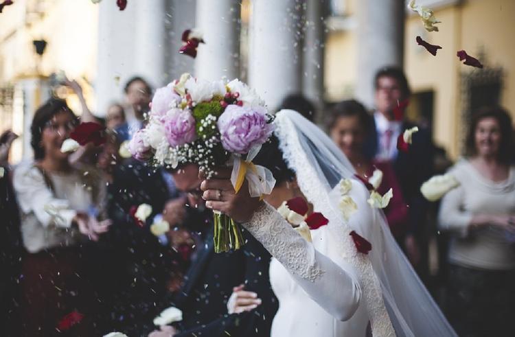 В Китае жених в разгар свадьбы отомстил неверной невесте