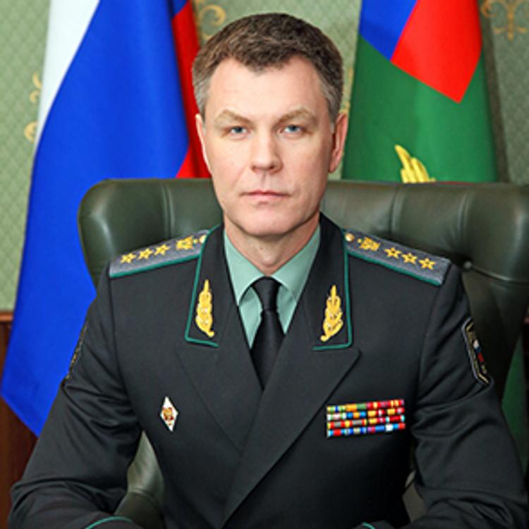 Путин присвоил звание генерала главе ФССП Аристову