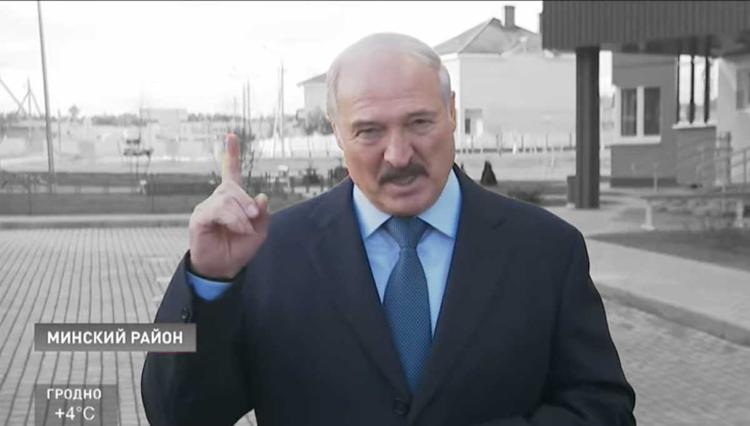 Лукашенко хочет отказаться от покупки российского газа за доллары