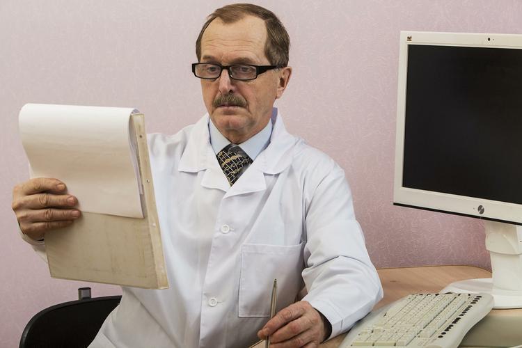 Пять сигналов организма о начавшемся инсульте головного мозга перечислили врачи