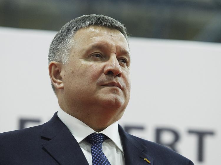 На Украине раскрыли предполагаемый срок назначения премьером Арсена Авакова