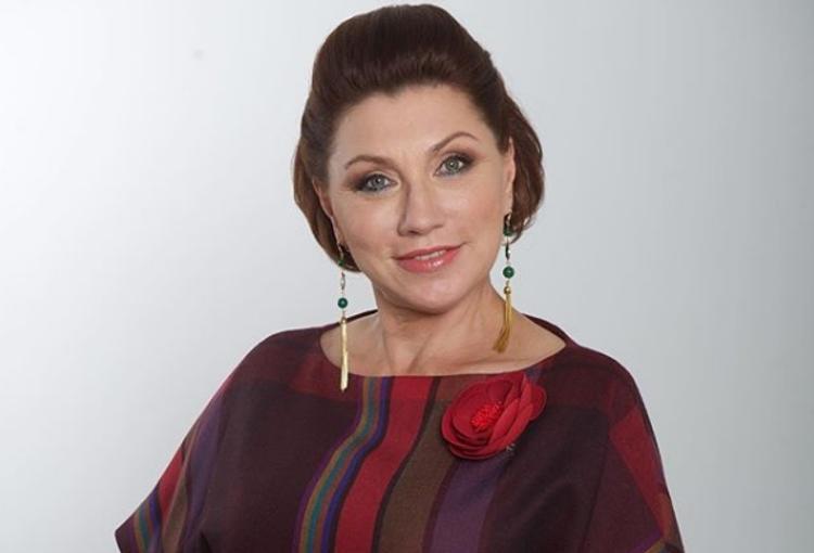 Роза Сябитова рассказала, как правильно гадать на суженого в Рождество