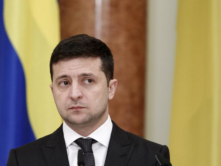 Зеленский рассказал Помпео о намерении установить мир в Донбассе и о беспокойстве по ситуации в Ираке