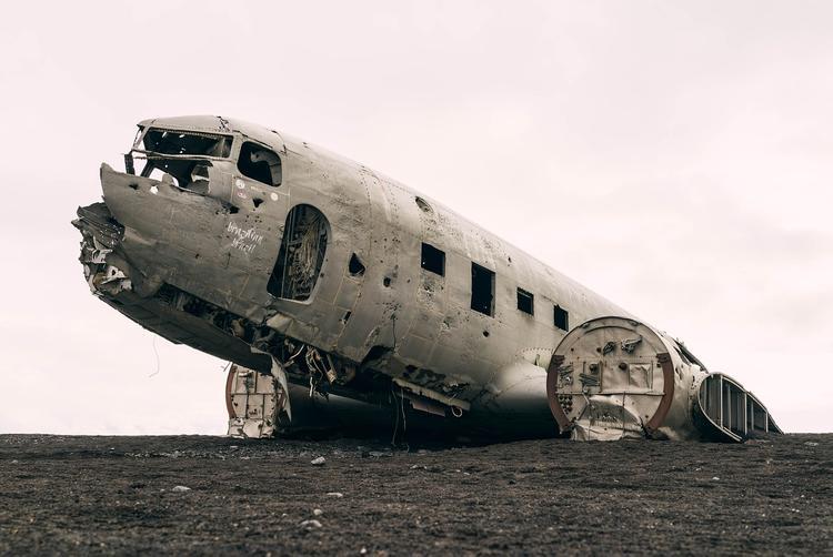 Украинский лайнер разбился в Иране, выживших нет