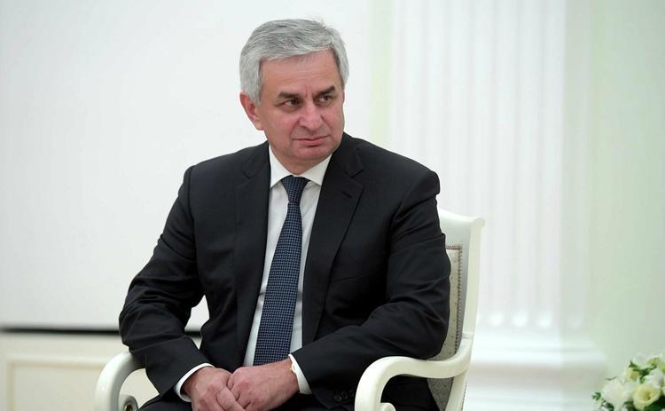 Глава Абхазии не исключил введения чрезвычайного положения