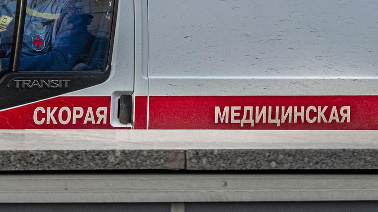 В Казани женщина и трое детей отравились угарным газом в частном доме