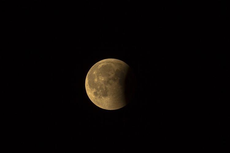 Синоптики рассказали о лунном затмении с пятницы на субботу в Москве