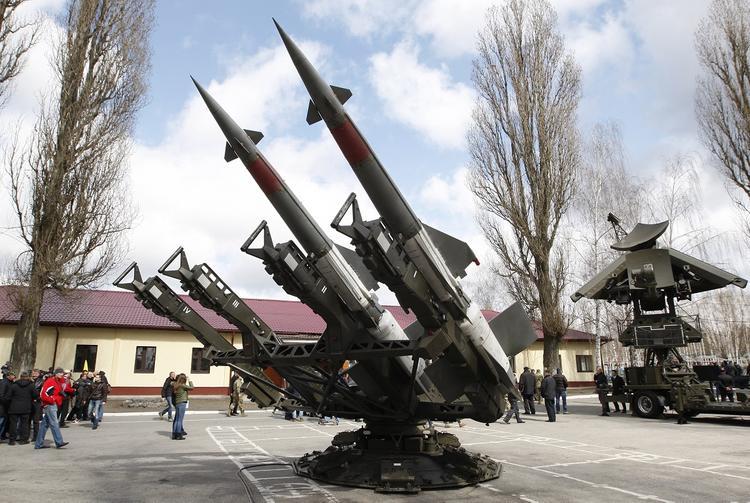Экс-премьер раскрыл роль отказа от ядерного оружия в выживании независимой Украины