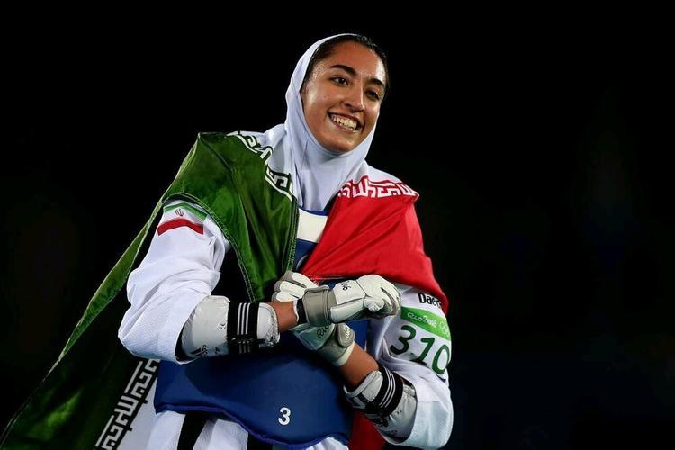 Единственная иранская спортсменка, завоевавшая медаль на Олимпиаде,  уехала из Ирана