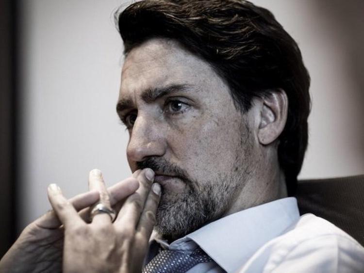 Канадский премьер отрастил бороду и стал еще больше похож на Фиделя Кастро, которого некоторые считают его отцом