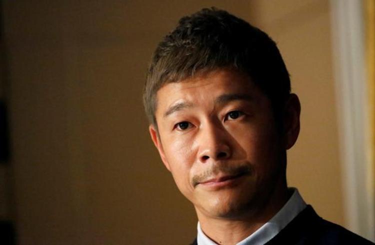 Японский миллиардер ищет девушку для полета в SpaceX