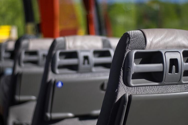 В Калининградской области перевернулся автобус с 13 пассажирами