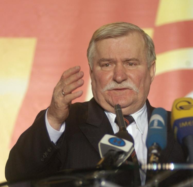 Экс-президент Польши призвал Варшаву признать заслуги Красной армии
