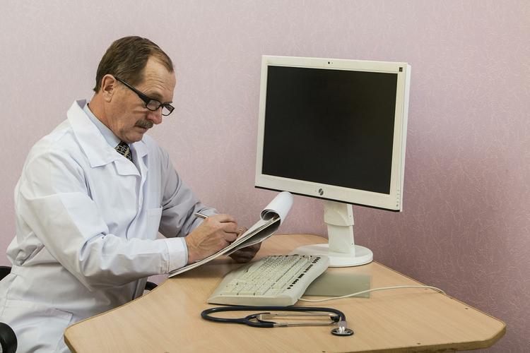 Четыре признака появления раковой опухоли в кишечнике перечислили врачи-онкологи